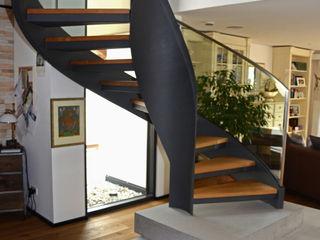 MetallArt Treppen GmbH Corridor, hallway & stairs Stairs