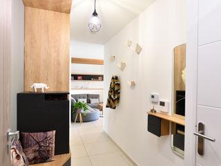 Aménagement d'appartement neuf Tiffany FAYOLLE Couloir, entrée, escaliers modernes