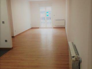Reforma apartamento en Vigo ARDEIN SOLUCIONES S.L. Salones de estilo moderno Madera Blanco