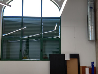 Exposiciones_Instalación acústica_Centro Universitario ISEN. Deacústica_Silenciamos al ruido. Deacustica Salones de estilo industrial