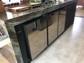 Gibeli Refrigeração Balcony Granite Black