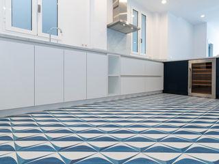 Valencia Architects Built-in kitchens White