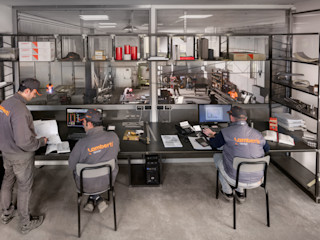 lamberti design srl Office spaces & stores Iron/Steel Metallic/Silver