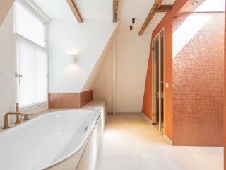 ÈMCÉ interior architecture Kamar Mandi Modern