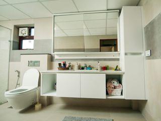 Lemon Interior Designers Baños de estilo moderno