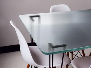Vidriera del Cardoner Dining roomTables Glass