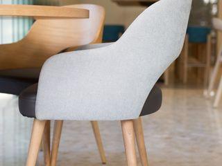Restaurante Sandomania - Quarteira Angelourenzzo - Interior Design Espaços de restauração mediterrânicos Acabamento em madeira