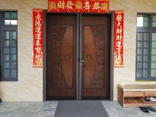 好室科技 - 隱形鐵窗 鋼鋁門窗 格柵欄杆 採光遮罩 淋浴拉門 摺紗門窗 智慧家庭 Парадні двері