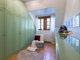 Cornelia Augustin Home Staging Гардеробная в средиземноморском стиле