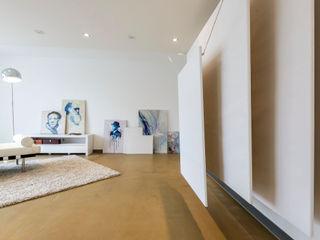 Cornelia Augustin Home Staging Рабочий кабинет в стиле модерн