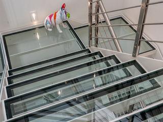 Ristrutturazione in centro storico Aire Studio Associato Scale Alluminio / Zinco Trasparente