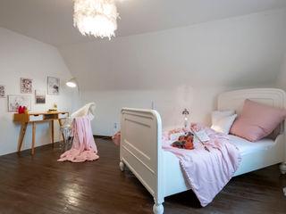 Cornelia Augustin Home Staging Детская комнатa в стиле кантри