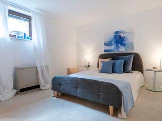 Cornelia Augustin Home Staging Спальня в стиле кантри