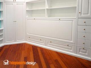 Cameretta completa con Boiserie Falegnamerie Design Camera da lettoArmadi & Cassettiere Legno Bianco