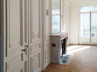 Division d'un grand appartement / Rénovation totale 270m² - Paris 8 A comme Archi Salon classique Blanc