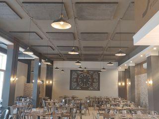 RIDUZIONE RUMORE DI FONDO IN PIZZERIA STEAKHOUSE MasAcoustics Sala da pranzo moderna