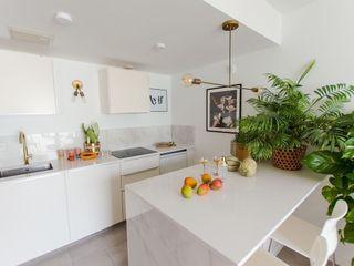 Cia Designs Small kitchens Marble White