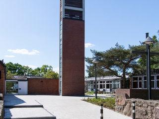 Cornelius-Kirche Neugraben-Fischbek Munder und Erzepky Landschaftsarchitekten Moderne Veranstaltungsorte