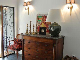 Estudio RYD, S.L. Corridor, hallway & stairsDrawers & shelves Solid Wood Brown