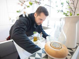 Moderne weiße Küche in U-Form, grifflos Markus Wolf - Der Meister Einbauküche Weiß