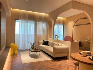 山嵐般的繾綣浪漫|訂製紗簾 MSBT 幔室布緹 现代客厅設計點子、靈感 & 圖片 複合木地板 Wood effect