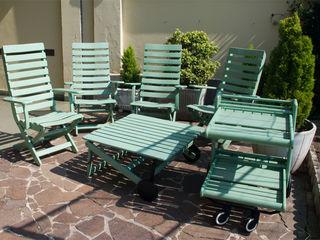 Restyling di un salotto da giardino Dilegno InLegno Balcone, Veranda & TerrazzoMobili Legno
