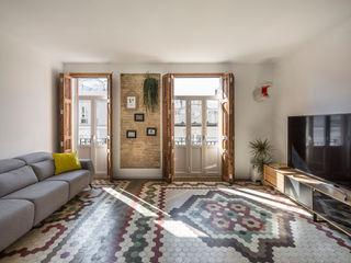 Home in Ruzafa tambori arquitectes 现代客厅設計點子、靈感 & 圖片