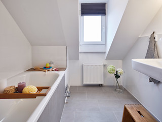 Home Staging Bavaria BathroomBathtubs & showers