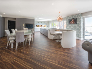 Large Contemporary Family Style Kitchen PTC Kitchens Вбудовані кухні