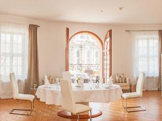 Traumhafte Wohnung an der Frauenkirche - Private Dinning für Diplomaten Immobilienfotografie & Architekturfotografie André Henschke Moderne Esszimmer