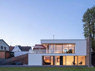 Wohnhaus am Kirchplatz Fichtner Gruber Architekten Einfamilienhaus Ziegel Weiß