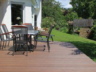 Exclusieve tuinproducten Modern balcony, veranda & terrace Engineered Wood Brown
