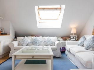 ARESAN PROYECTOS Y OBRAS SL Salon moderne Blanc