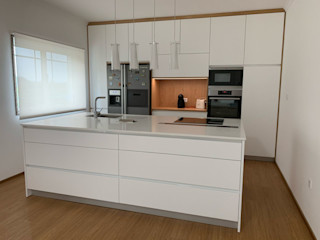 ADN Furniture CucinaContenitori & Dispense Legno massello Effetto legno