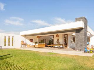 m2 estudio arquitectos - Santiago Casas unifamilares Aglomerado Blanco