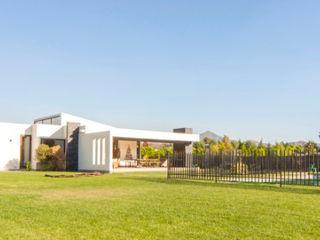 m2 estudio arquitectos - Santiago Jardines de estilo mediterráneo