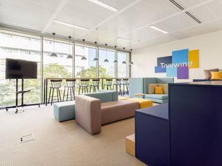 Escritórios Truewind - Sala de Reuniões e Lounge Rima Design Escritórios escandinavos