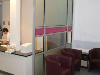 Free standing glass screens Ion Glass Minimalist walls & floors Glass