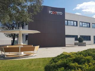 Focotto - Uffici e showroom Focotto Spazi commerciali moderni Ferro / Acciaio Bianco