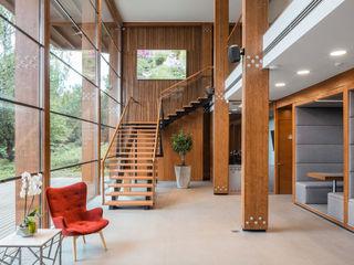ООО 'Студио-ТА' Espaces de bureaux modernes Bois Multicolore