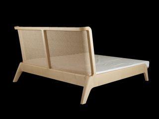 Bett mit Kopfteil aus Wiener Geflecht Holzarbeiten André Findeisen Moderne Schlafzimmer Holz