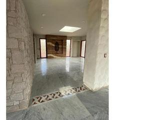 Cervantes Bueno arquitectura Rustic style corridor, hallway & stairs Marble White
