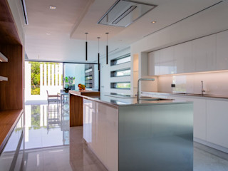 Propriété Générale International Real Estate 廚房收納櫃與書櫃