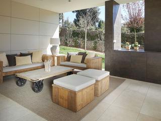 ROSA GRES Rustic style balcony, porch & terrace Ceramic Beige