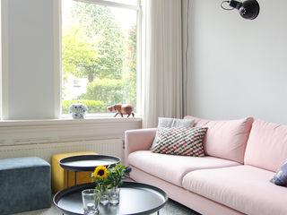 casa&co. Phòng khách phong cách kinh điển Pink