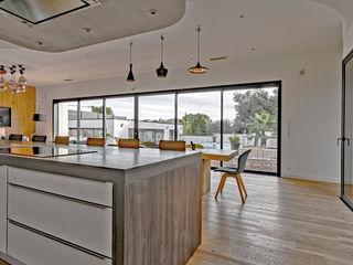 Brunel Architecture Modern kitchen