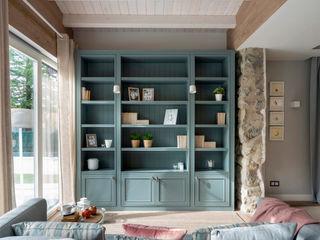 Decoración de chalet Sube Interiorismo Salones de estilo clásico Azul