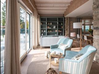 Decoración de chalet Sube Interiorismo Salones de estilo clásico
