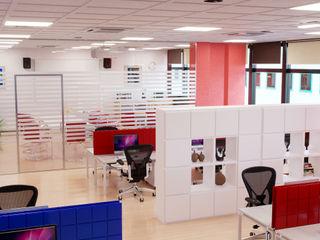 Rendering Interni Ufficio Agenzia Rendering 3D - W & E srl Studio moderno