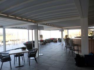 unica living design Office spaces & stores Aluminium/Seng